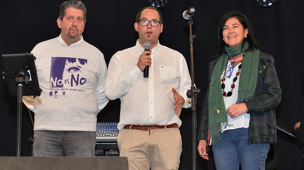 El alcalde de Valdemoro, Serafín Faraldos (PSOE), durante las fiestas, en el centro de la imagen. (Foto. Valdemoro)