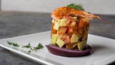 Receta de tartar de atún con aguacate y langostinos