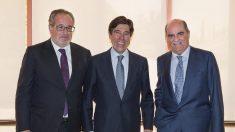 El presidente de Sacyr, Manuel Manrique, Carceller y Moreno Carretero.