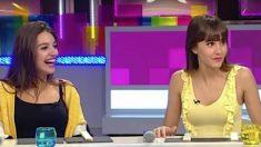 Aitana y Ana vestidas de amarillo en TV3