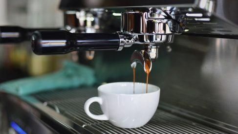 Todos los pasos para preparar café mejor que en las cafeterías
