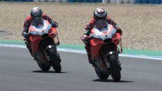 Andrea Dovizioso ha acusado a Jorge Lorenzo de frenarle a propósito durante el Gran Premio de España de MotoGP, evitando que el italiano pudiese dar caza a Márquez. (Getty)