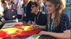 Amaia y Alfred han firmado a los fans en Lisboa antes de la semifinal de 'Eurovisión'. (Foto: RTVE)