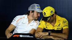 Fernando Alonso y Carlos Sainz en la rueda de prensa oficial de la FIA (Getty)