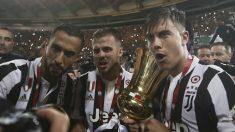 Los jugadores de la Juventus celebran la Copa de Italia. (AFP)