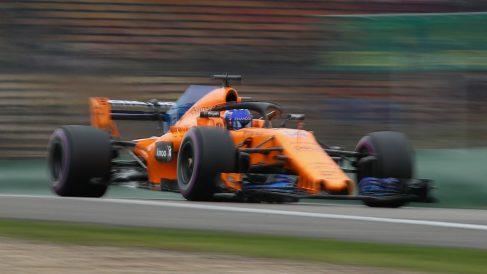 Las mejoras que va a estrenar McLaren en Barcelona son solo unas más de un plan a largo plazo de la escudería con la que pretende desarrollar el MCL33 hasta la última carrera del año. (Getty)