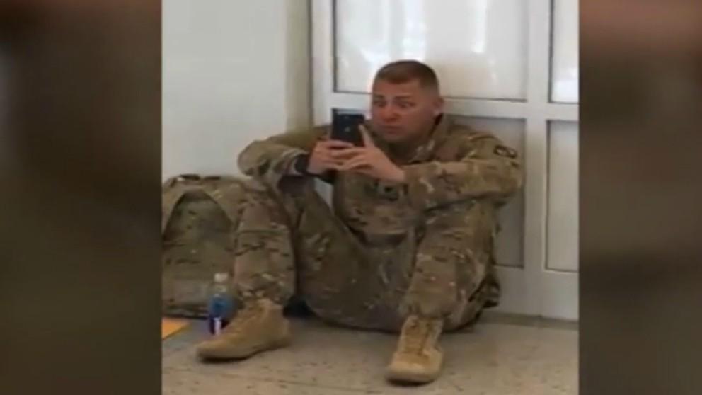 Viral del soldado que se emociona al ver el parto de su bebé en FaceTime