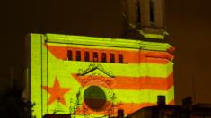 Los CDR proyectan la estelada sobre la catedral de Gerona