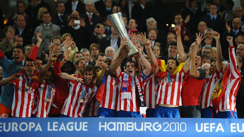 Los jugadores del Atlético de Madrid celebran la Europa League ganada en 2010. (Getty)