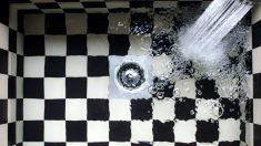 Descubre trucos para limpiar con un desatascador casero de manera eficaz
