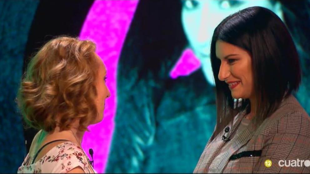 Laura Pausini conoce la asombrosa historia de Jennifer en 'Chester'