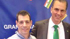 Raúl Macià el viernes con el abogado Javier Ortega Smith, en la cena celebrada por VOX en Barcelona.