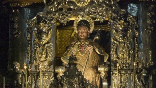 Imagen del apóstol Santiago en la catedral de Santiago de Compostela.
