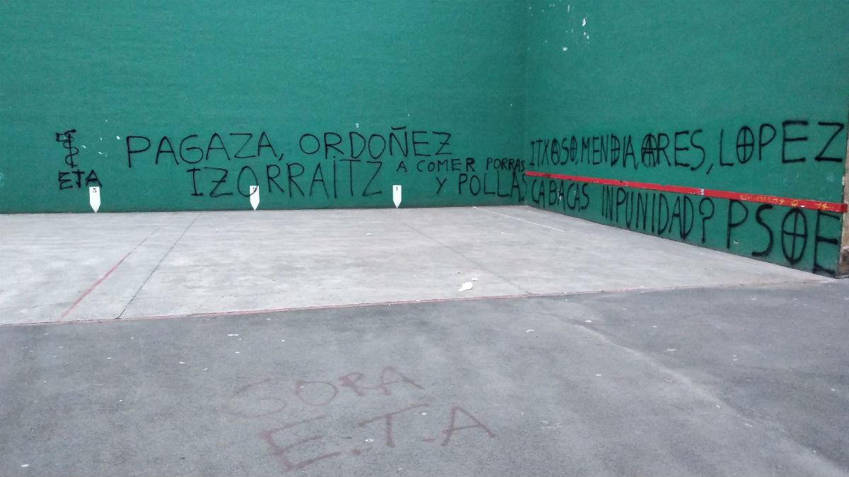 Pintadas en Hernani a favor de ETA