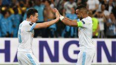 Thauvin y Payet celebran un gol con el Olympique de Marsella. (AFP)