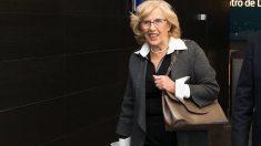 La alcaldesa Manuela Carmena en una visita. (Foto. Madrid)