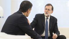 Mariano Rajoy y Pedro Sánchez reunidos en Moncloa. (Foto: PSOE)