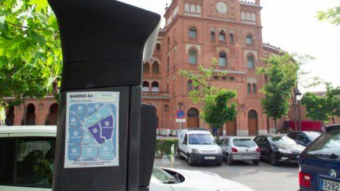 La zona azul desaparecerá durante este verano del distrito centro de Madrid, que pasará a contar solamente con plazas de aparcamiento para residentes.