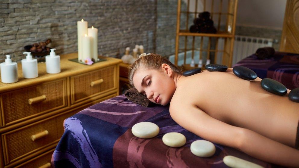 El tratamiento de termoterapia para da calor al organismo.