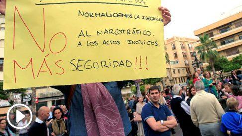 Manifestación contra el narcotráfico, este jueves en Algeciras (Foto: Efe).