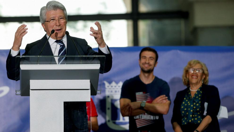 Enrique Cerezo, en la fiesta del Atlético en el Ayuntamiento de Madrid (EFE)