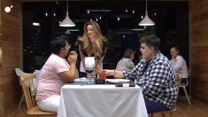 Adam le pide una cita al chico de al lado en 'First Dates'