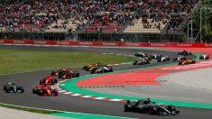La polémica por la interpretación de los himnos de España y Cataluña antes del Gran Premio nacional del fin de semana pasado continúa con el enfrentamiento entre las federaciones autonómica y nacional. (Getty)