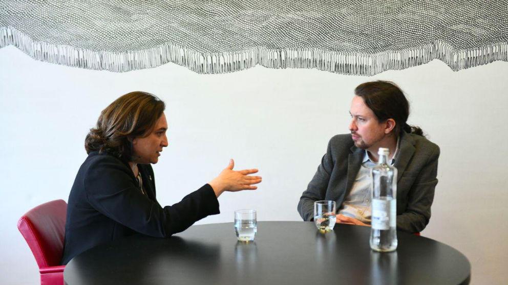 Pablo Iglesias, con Ada Colau, el pasado 9 de mayo.