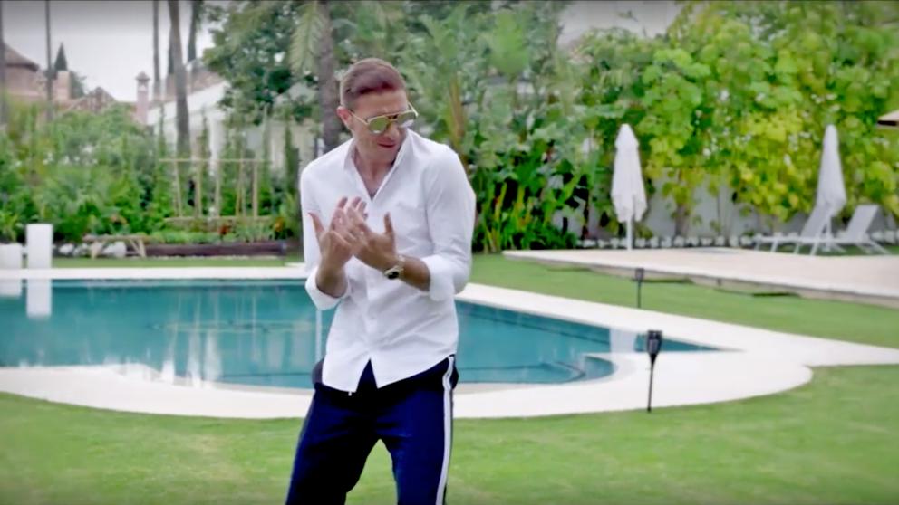 Joaquín y su faceta de cantante en 'Mi casa es la vuestra'