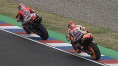 Andrea Dovizioso ha marcado el mejor tiempo en la segunda sesión de entrenamientos libres del GP de Francia de MotoGP, con Marc Márquez segundo mostrando el mejor ritmo de carrera de todos. (Getty)