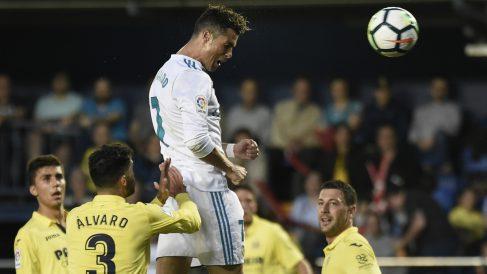 Cristiano Ronaldo en el momento de su gol ante el Villarreal. (AFP)