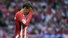 Griezmann se lamenta en el partido. (AFP)