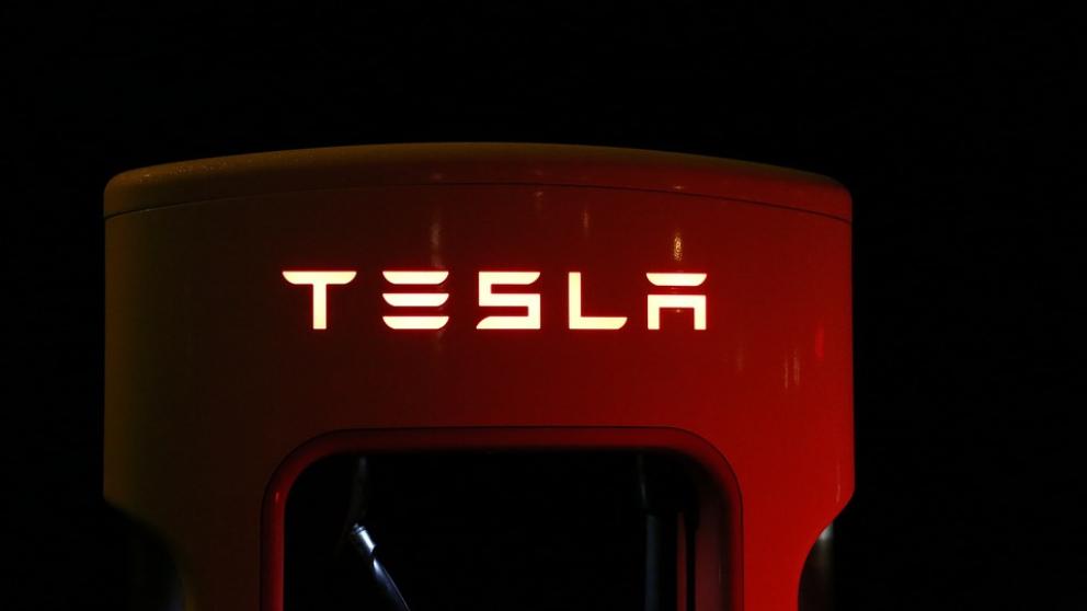 iPhone X Tesla, una prueba de la pujanza de esta firma.