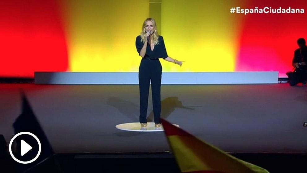 Marta Sánchez canta el himno nacional en el acto de 'España Ciudadana'