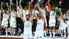 Felipe Reyes y Sergio Llull celebran con rabia el triunfo en la Euroliga. (Getty)