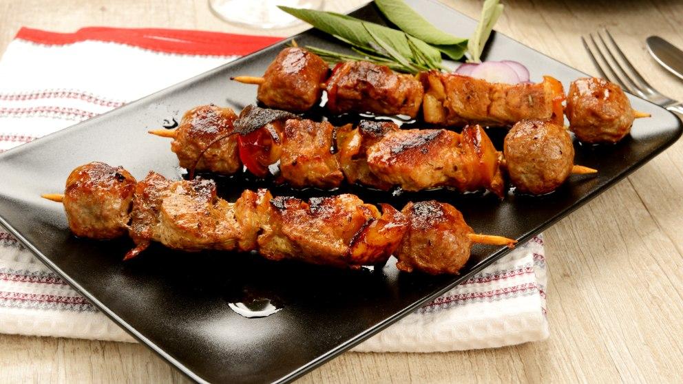 Receta de Satay de carne tipico de Indonésia paso a paso