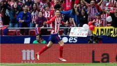 Fernando Torres celebra uno de sus goles durante el Atlético – Eibar. (EFE)