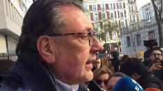 Josep Lluís Cleries, portavoz del PDeCAT en el Senado, a las puertas del tribunal Supremo. (Foto: E. Falcón)