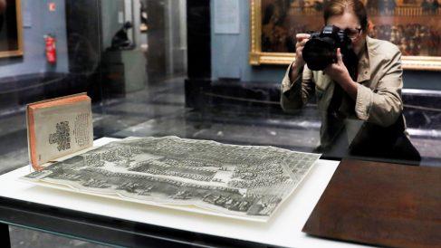 """Lámina de Gregorio Fosman que documenta """"de forma única"""" las celebraciones religiosas y políticas del siglo XVI. (Foto: EFE)"""