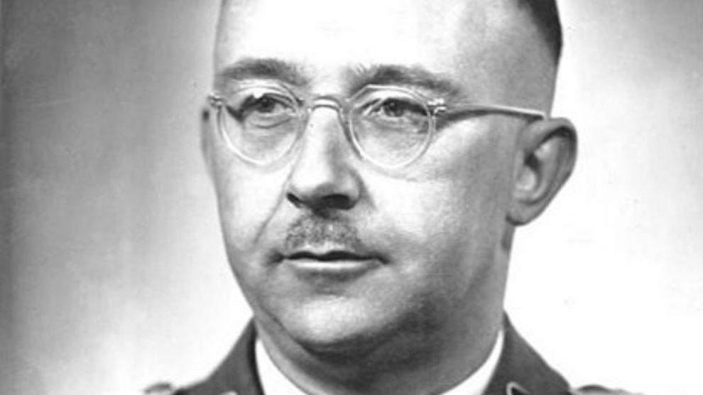 El 23 de mayo  de 1945, Heinrich Himmler, el segundo al mando de Hitler, se suicidó.