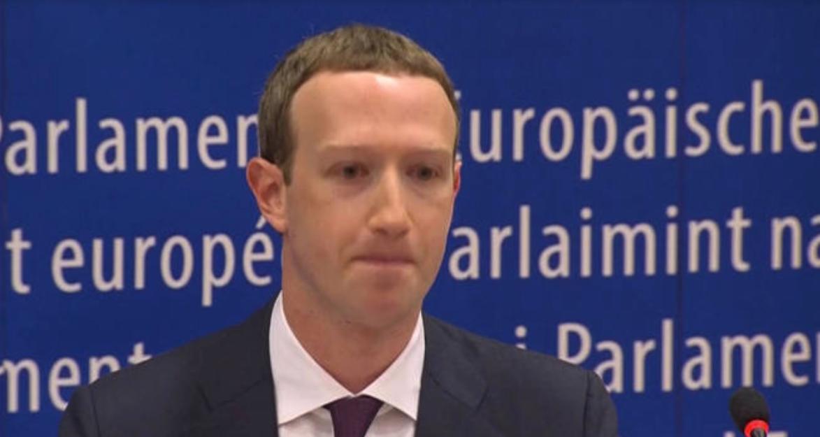 Mark Zuckerberg CEO de Facebook en el Parlamento Europeo