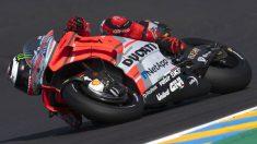 Alberto Puig ha puesto el dedo en la llaga a Jorge Lorenzo, asegurando que el piloto balear no será capaz jamás de pilotar rápido con la Ducati. (getty)