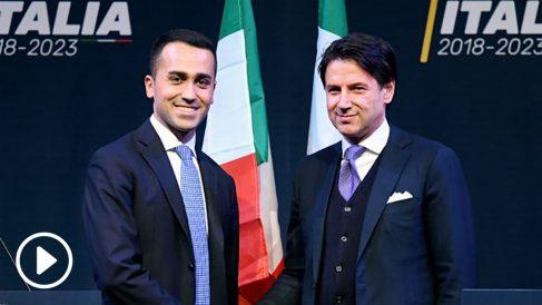 Luigi di Maio, líder del populista Movimiento 5 Estrellas italiano, y Giuseppe Conte, propuesto como primer ministro. (AFP)