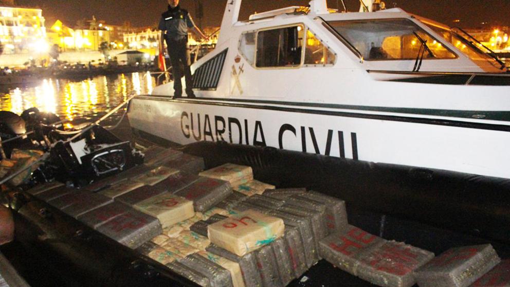 Cargamento de la narcolancha interceptada en Ceuta.