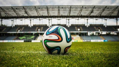 Un club de fútbol navarro indica a los padres la manera de ver los partidos de sus hijos