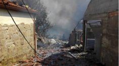 Las calles de Tui (Pontevedra), tras la explosión de la pirotecnia.