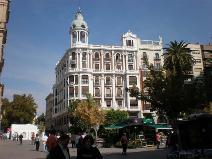 Edificio residencial en Murcia, propiedad de Trinitario Casanova