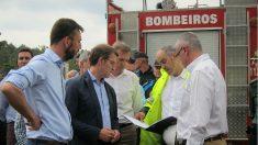 Alberto Núñez-Feijóo, presidente de la Xunta, visita Tui tras la explosión de material priotécnico. (EP)