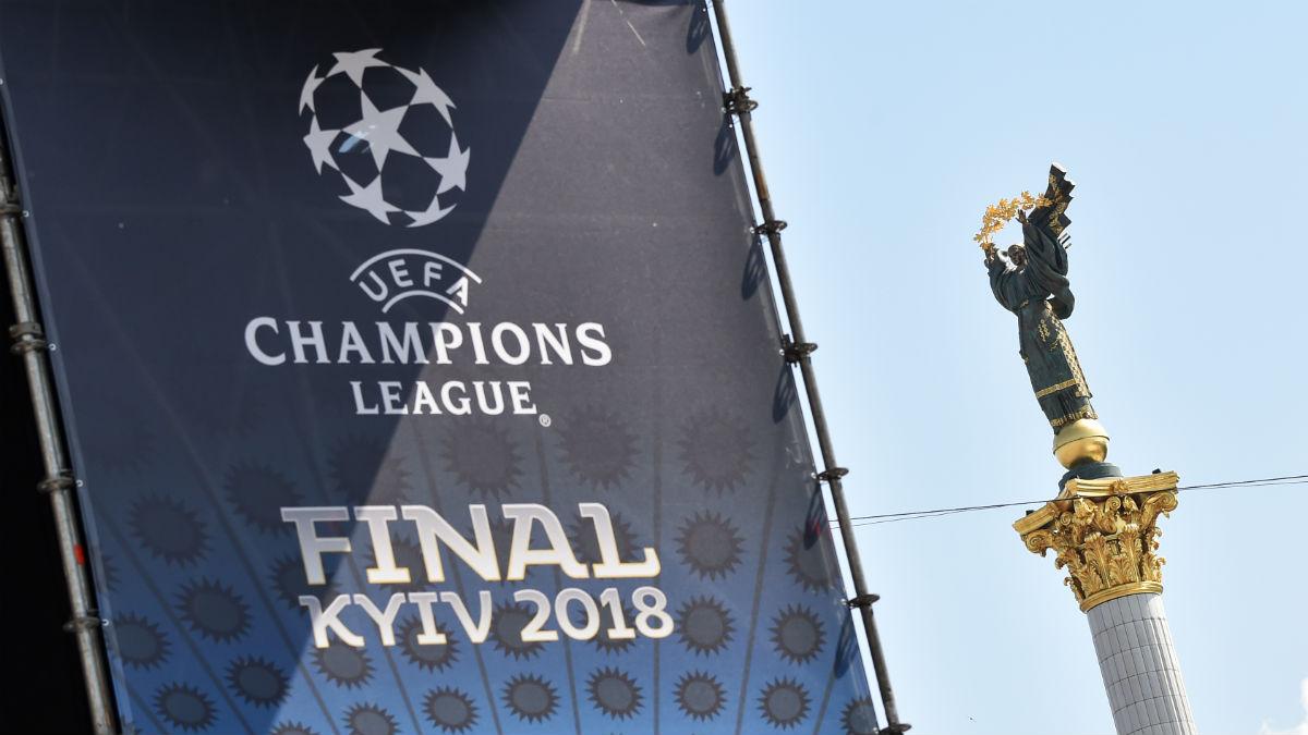 La ciudad de Kiev ya está preparada para albergar la fina de la Champions League 2018, entre Real Madrid y Liverpool (AFP).