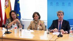 Isabel González, Paloma Adrados y Ángel Garrido. (Foto.PP)